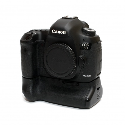 Used Canon EOS 5D Mk III body with Grip