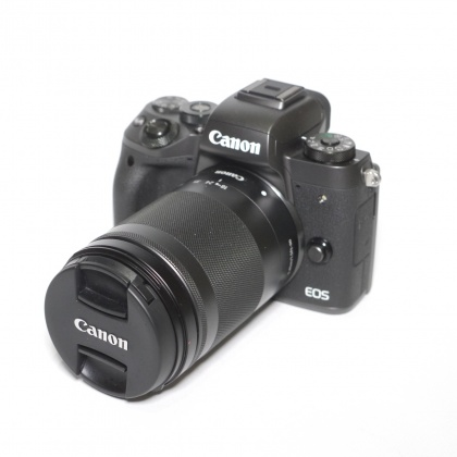 Used Canon EOS M5 Black + 18-150mm lens