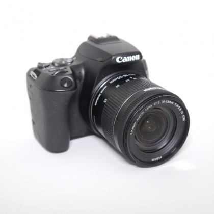 Used Canon EOS 250D, black with 18-55mm IS STM lens