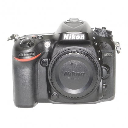 Used Nikon D7200 body only