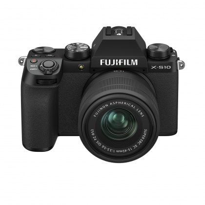 Fujifilm X-S10 Mirrorless Camera, Black with XC15-45mm OIS PZ Lens