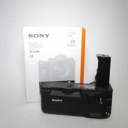 Used Sony VG-C3EM Battery Grip for Alpha 9