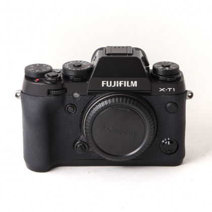 Used Fujifilm X-T1 body with Grip