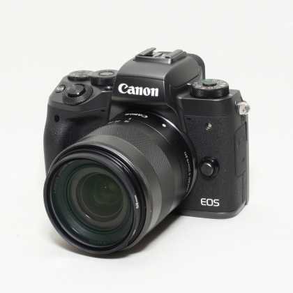 Used Canon EOS M5, 18-55 IS STM