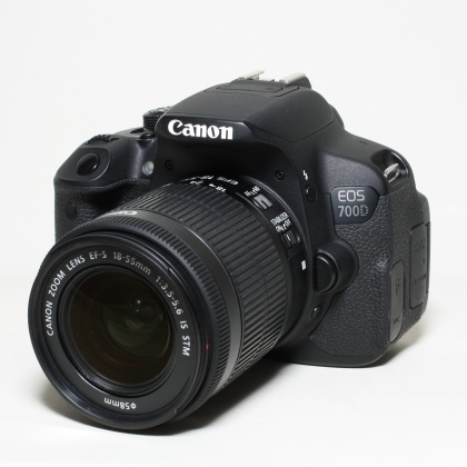 Used Canon EOS 700D, 18-55 IS
