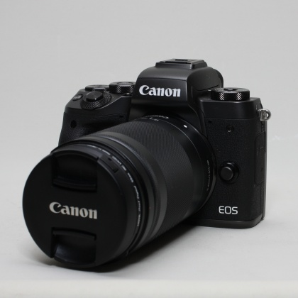 Used Canon EOS M5, 18-105