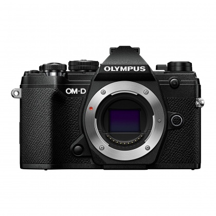 Olympus E-M5 Mark III Mirrorless Camera 12-200mm Kit, Black