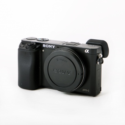 Used Sony A6000 body