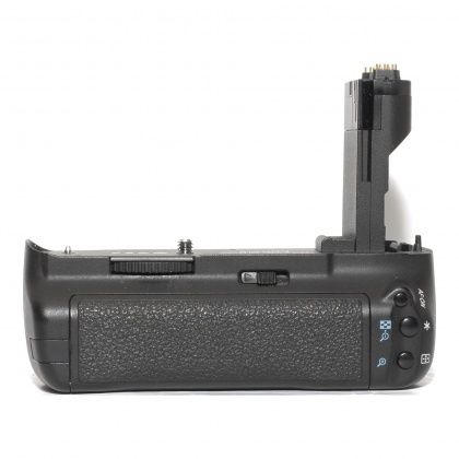 Used Canon Battery Grip BG-E7 for EOS 7D