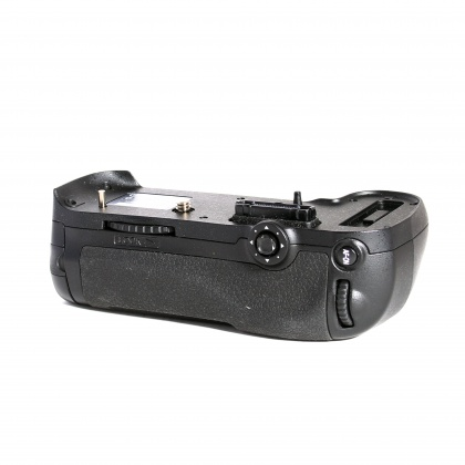 Used Nikon MB-D12 Battery Grip