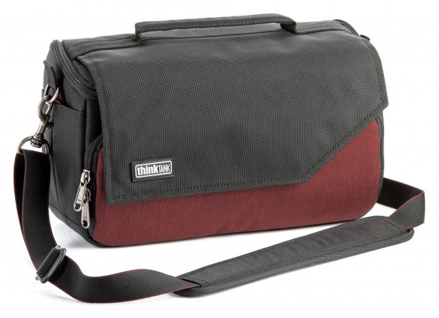 Think Tank Think Tank Mirrorless Mover 25i, Deep Red